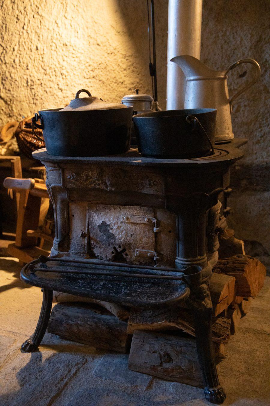 """Old stove at the """"Museo del Costume e delle Tradizioni Alpine"""", Pragelato, 2020"""